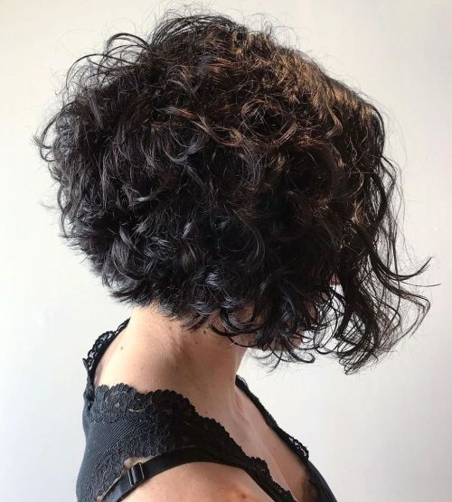 short female hairstyles wavy cool and stylish 44