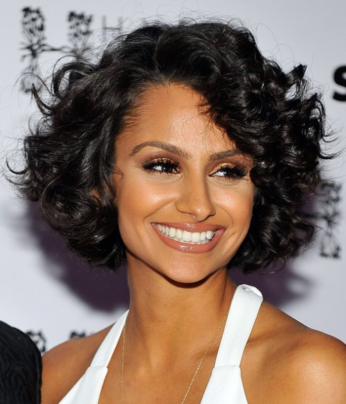 short female hairstyles wavy cool and stylish 46