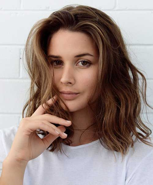 short female hairstyles wavy cool and stylish 6