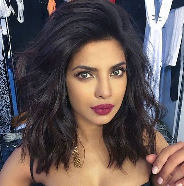 short female hairstyles wavy cool and stylish 9