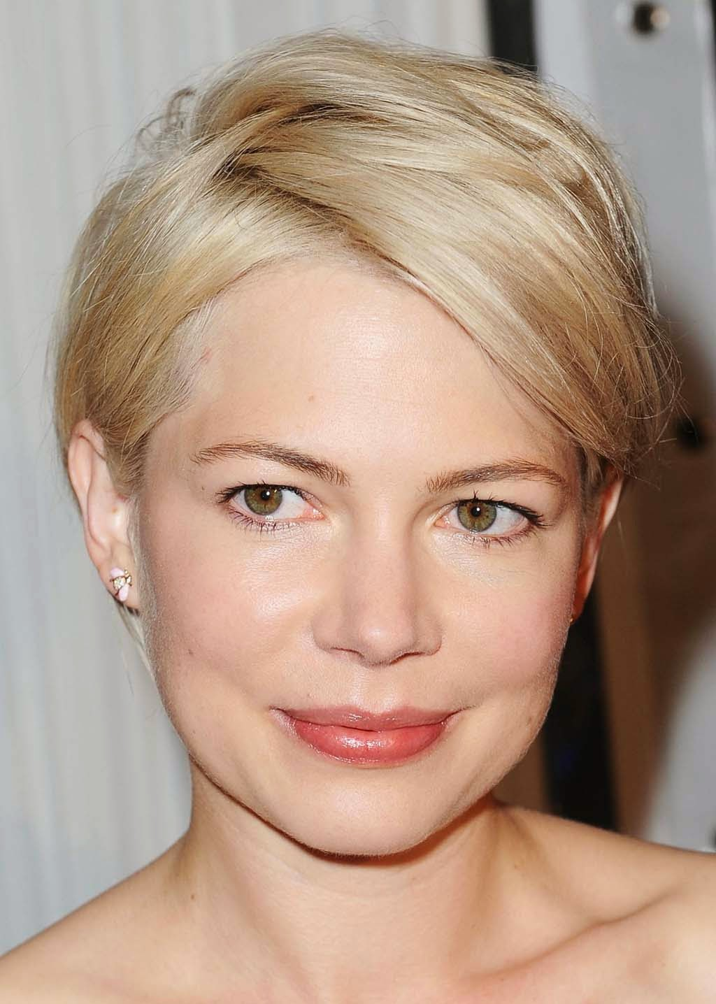 short haircuts for round faces new 1