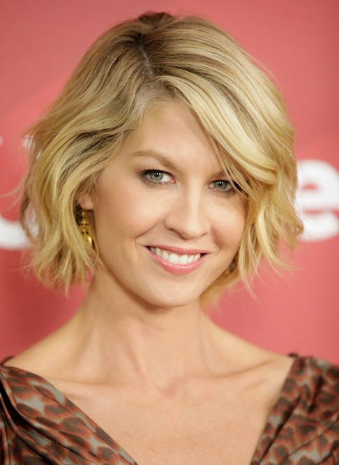 short haircuts for round faces new 17