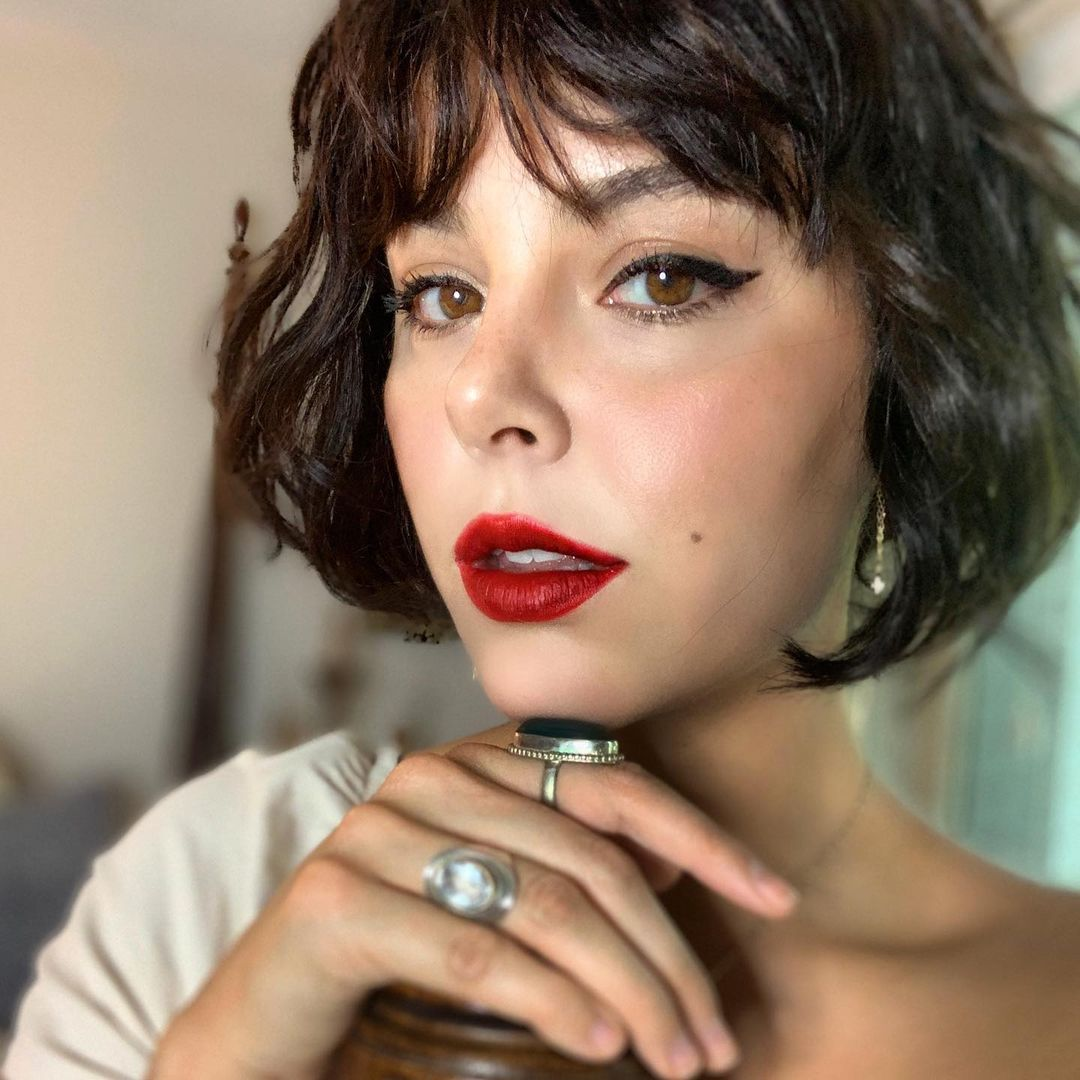 short haircuts with bangs adorable stylish ideas 20