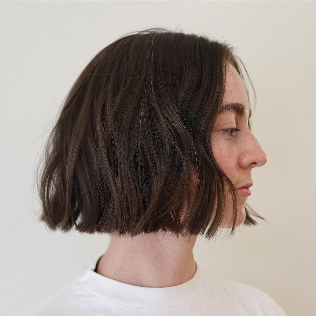 short straight haircut ideas for a younger look 17