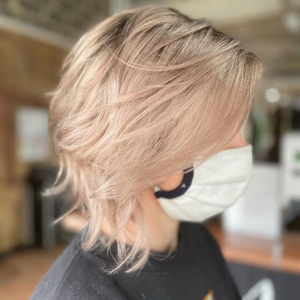 short straight haircut ideas for a younger look 24