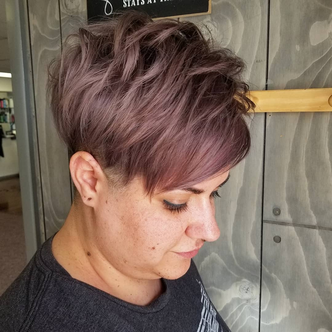 short straight haircut ideas for a younger look 3
