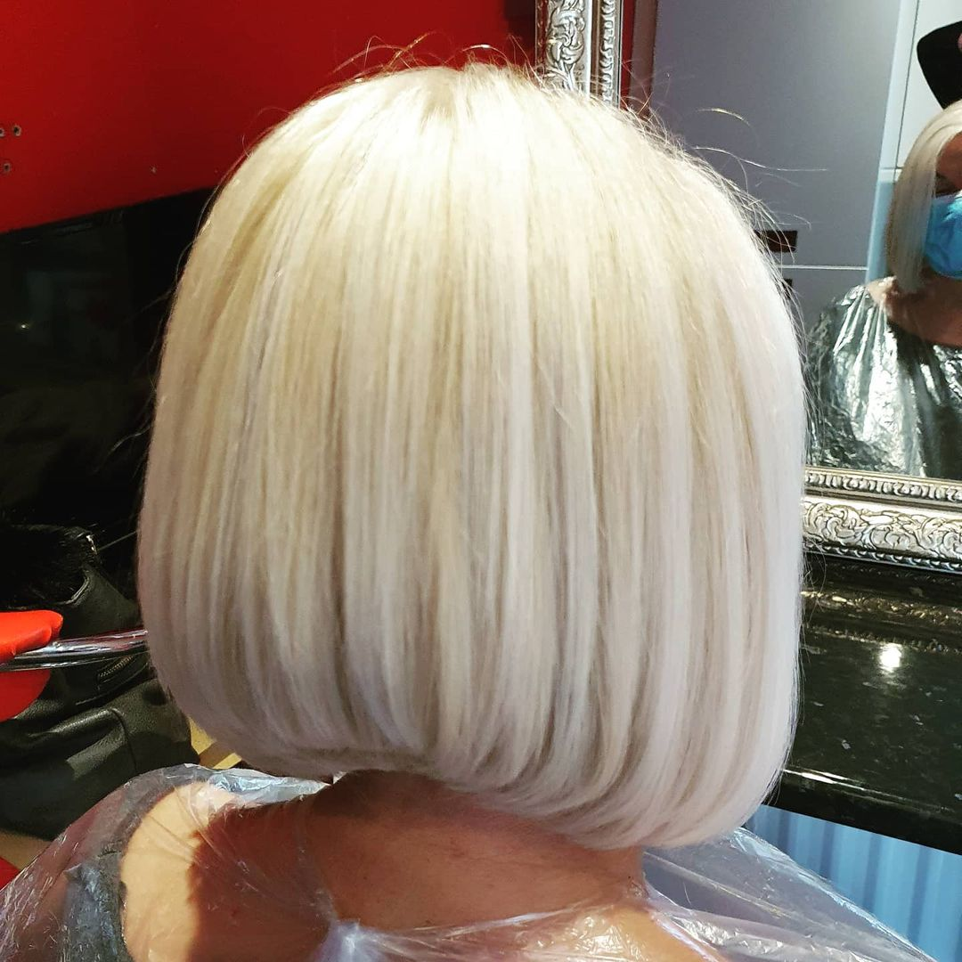 short straight haircut ideas for a younger look 33