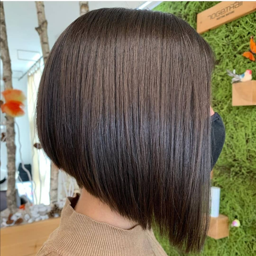 short straight haircut ideas for a younger look 8