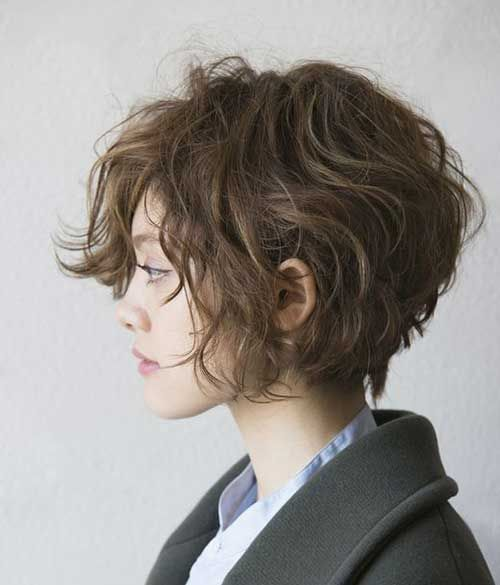 the bravest wavy short hairstyles to try in the new season 12