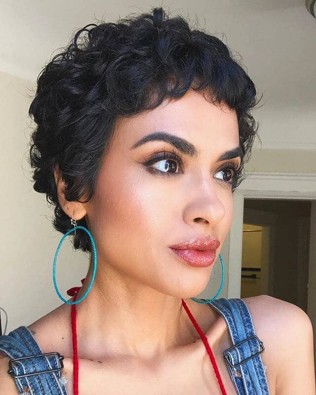 the bravest wavy short hairstyles to try in the new season 24