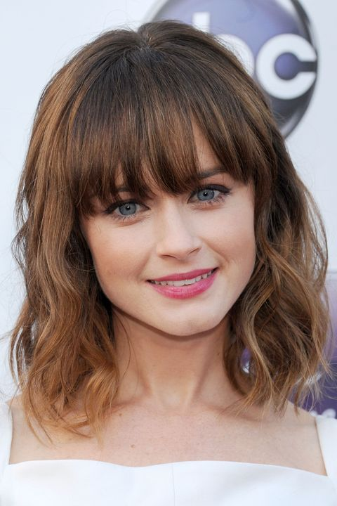 the most stunning hairstyles combining short hair with bangs 12