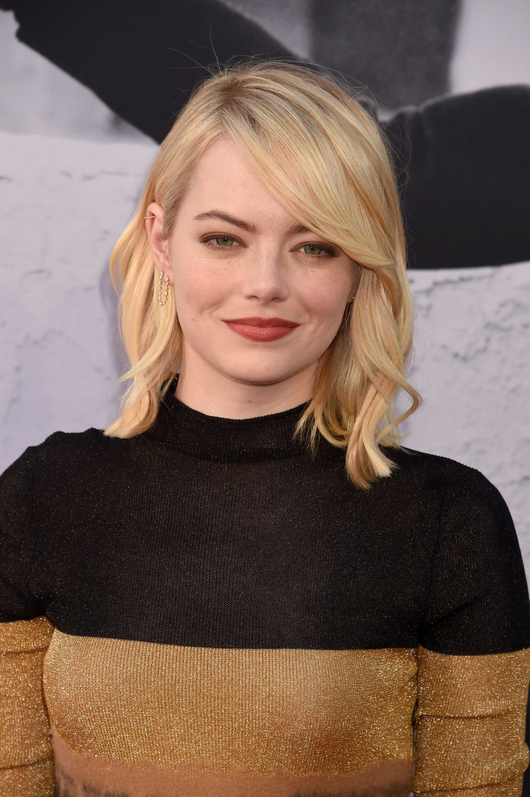 the most stunning hairstyles combining short hair with bangs 18