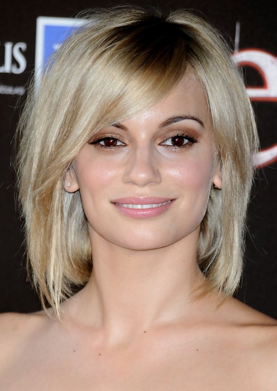 the most stunning hairstyles combining short hair with bangs 19