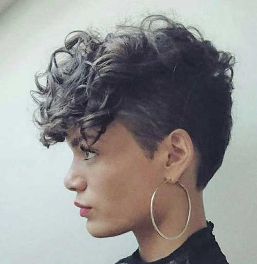 trendy curly short hairstyle looks for free spirits 20