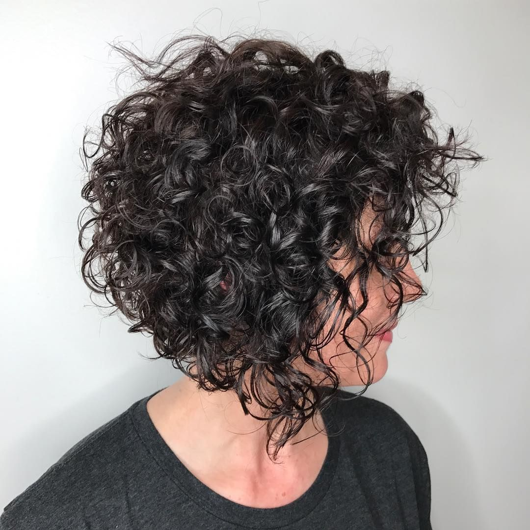 trendy curly short hairstyle looks for free spirits 29