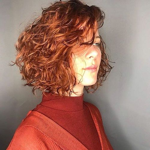 trendy curly short hairstyle looks for free spirits 39