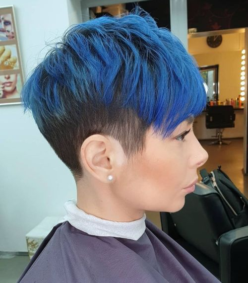 trendy curly short hairstyle looks for free spirits 41