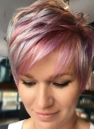 trendy curly short hairstyle looks for free spirits 44