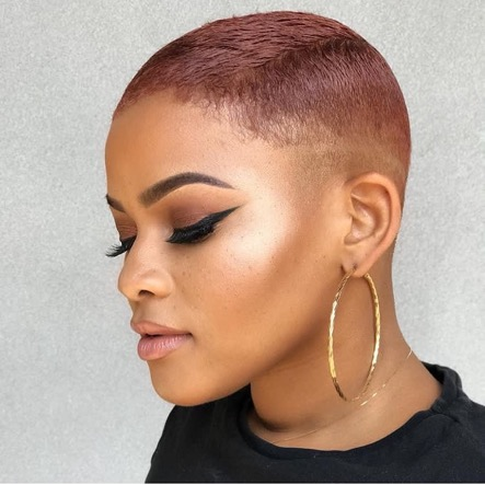 trendy curly short hairstyle looks for free spirits 49