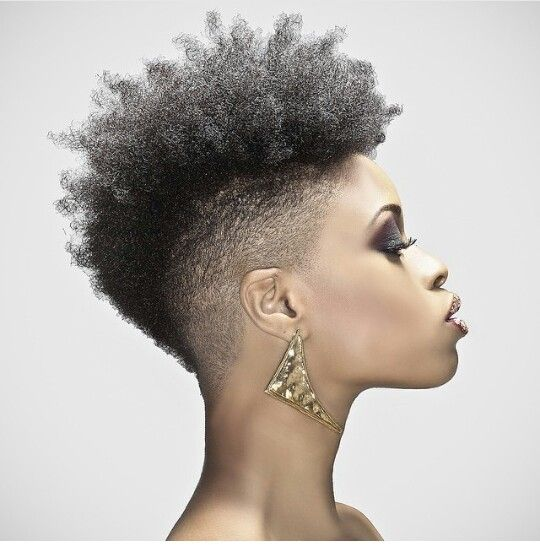 trendy curly short hairstyle looks for free spirits 6