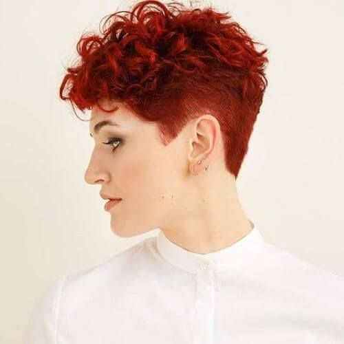 trendy curly short hairstyle looks for free spirits 9