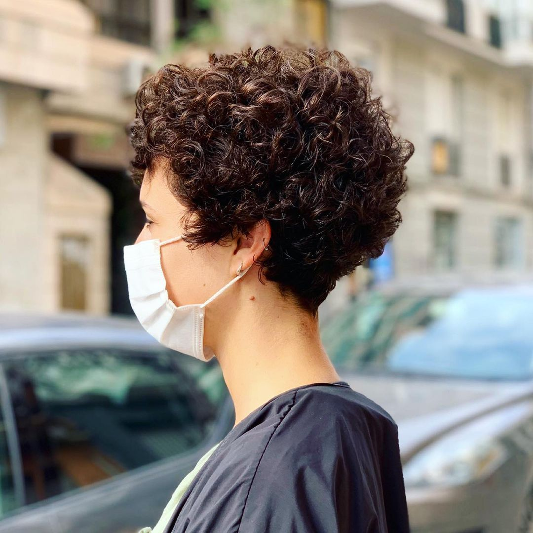 beautiful hairstyle for short curly hair 10