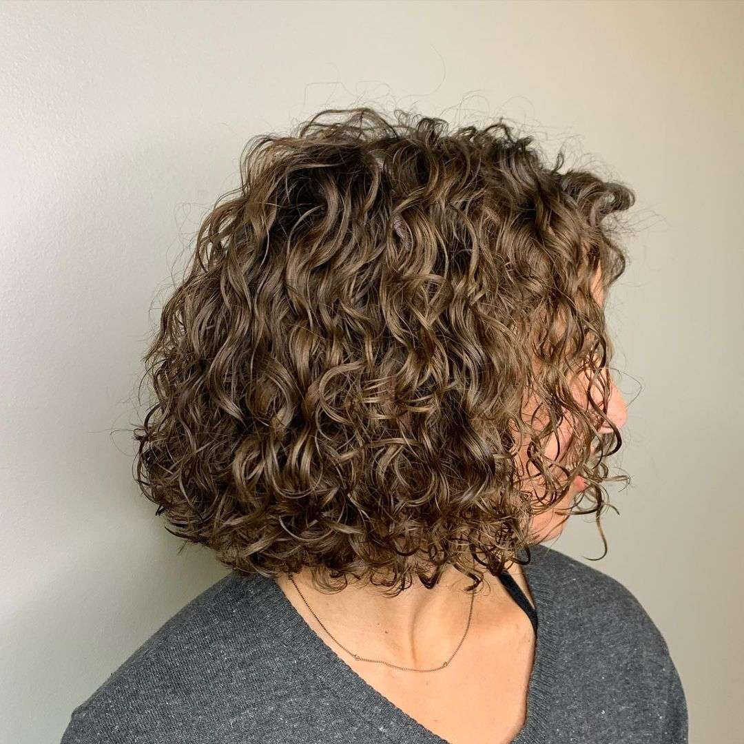 beautiful hairstyle for short curly hair 13