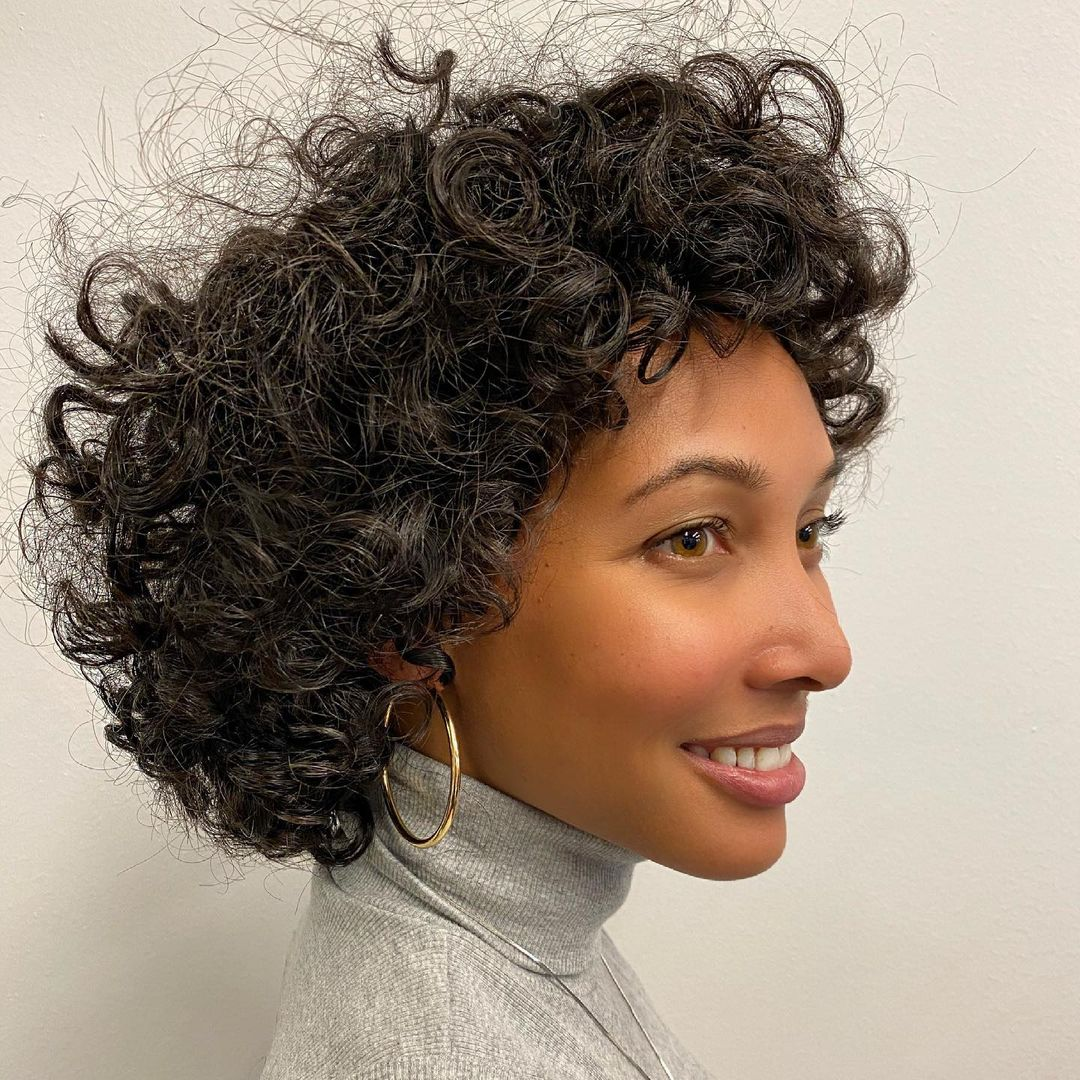 beautiful hairstyle for short curly hair 21