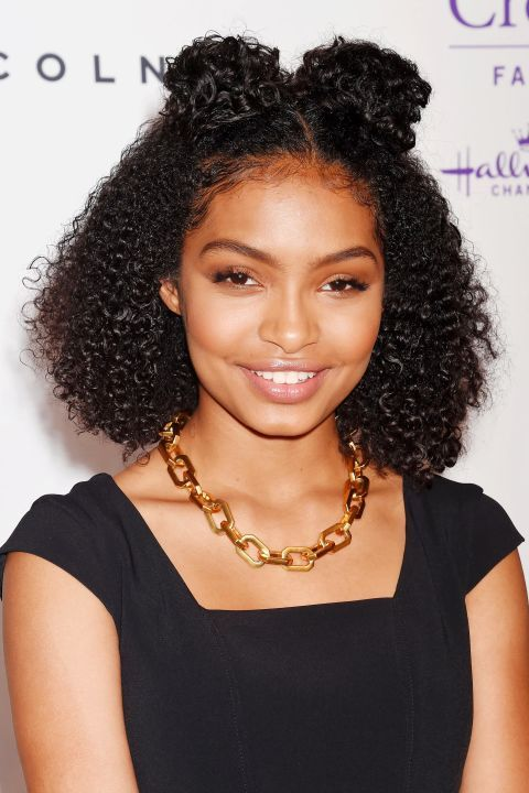 beautiful hairstyle for short curly hair 4