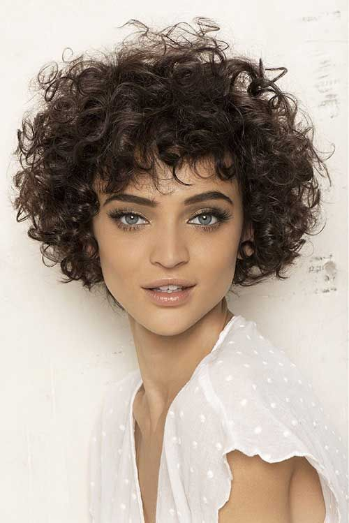 beautiful hairstyle for short curly hair 5