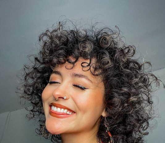 beautiful hairstyle for short curly hair 9