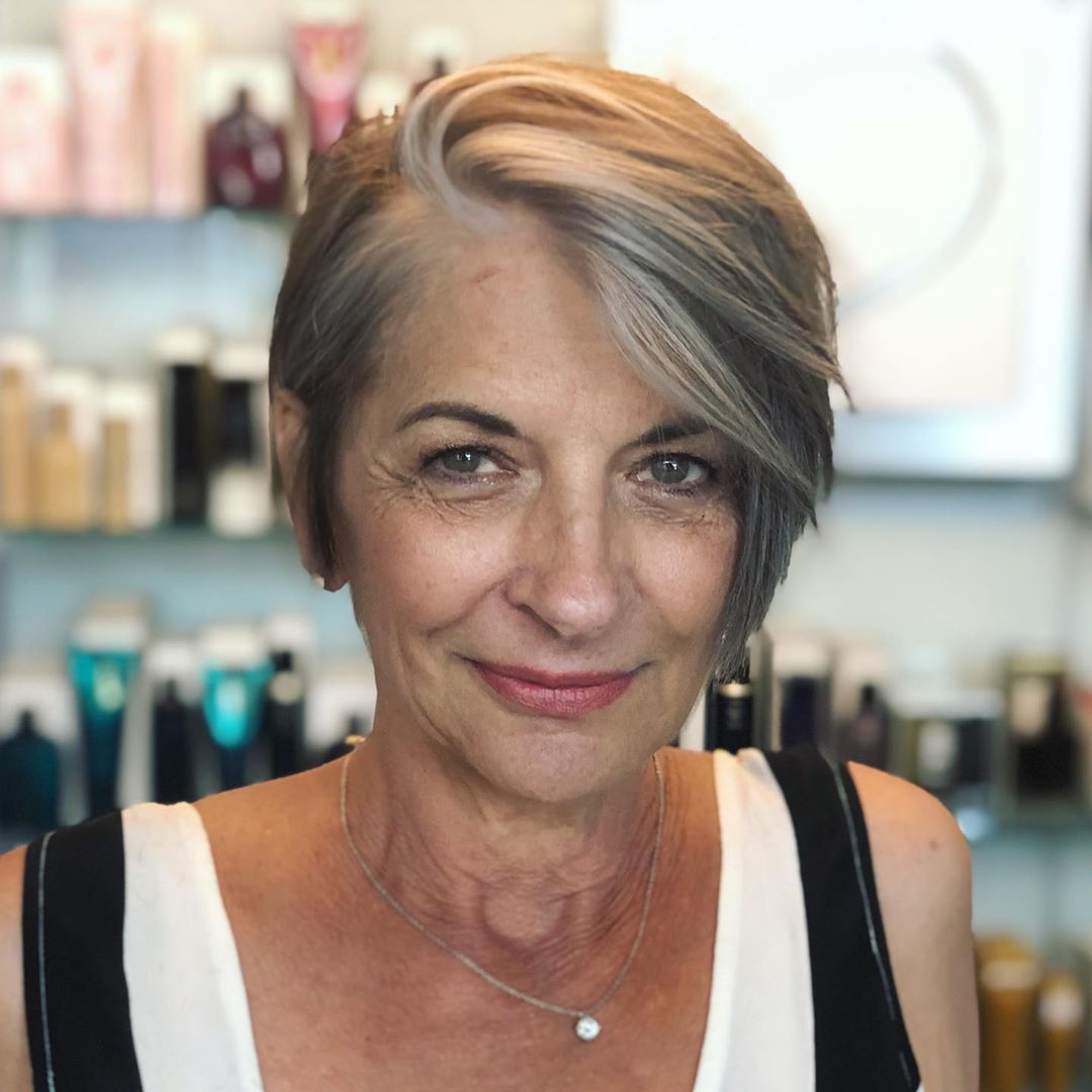 short haircuts female over 50 2021 1