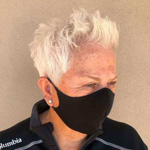 short haircuts female over 50 2021 13