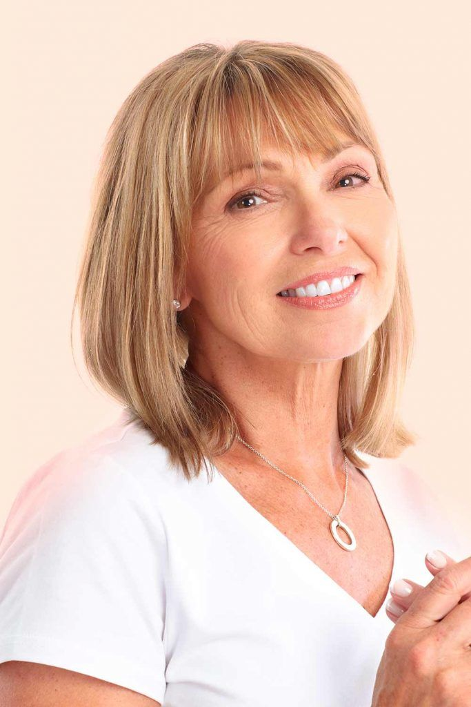 short haircuts female over 50 2021 40