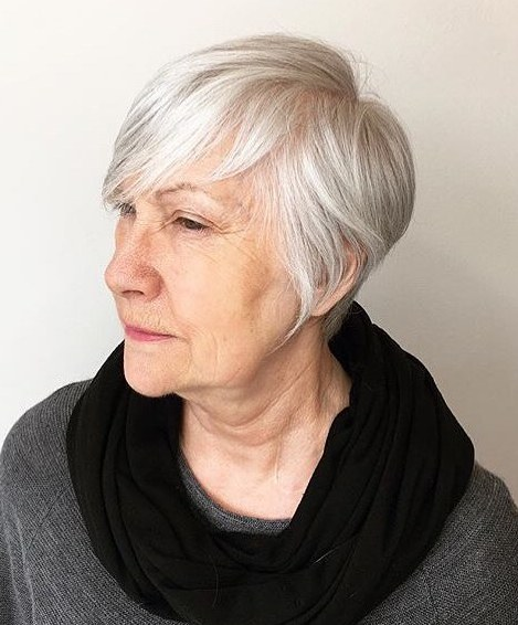 short haircuts female over 50 2021 5