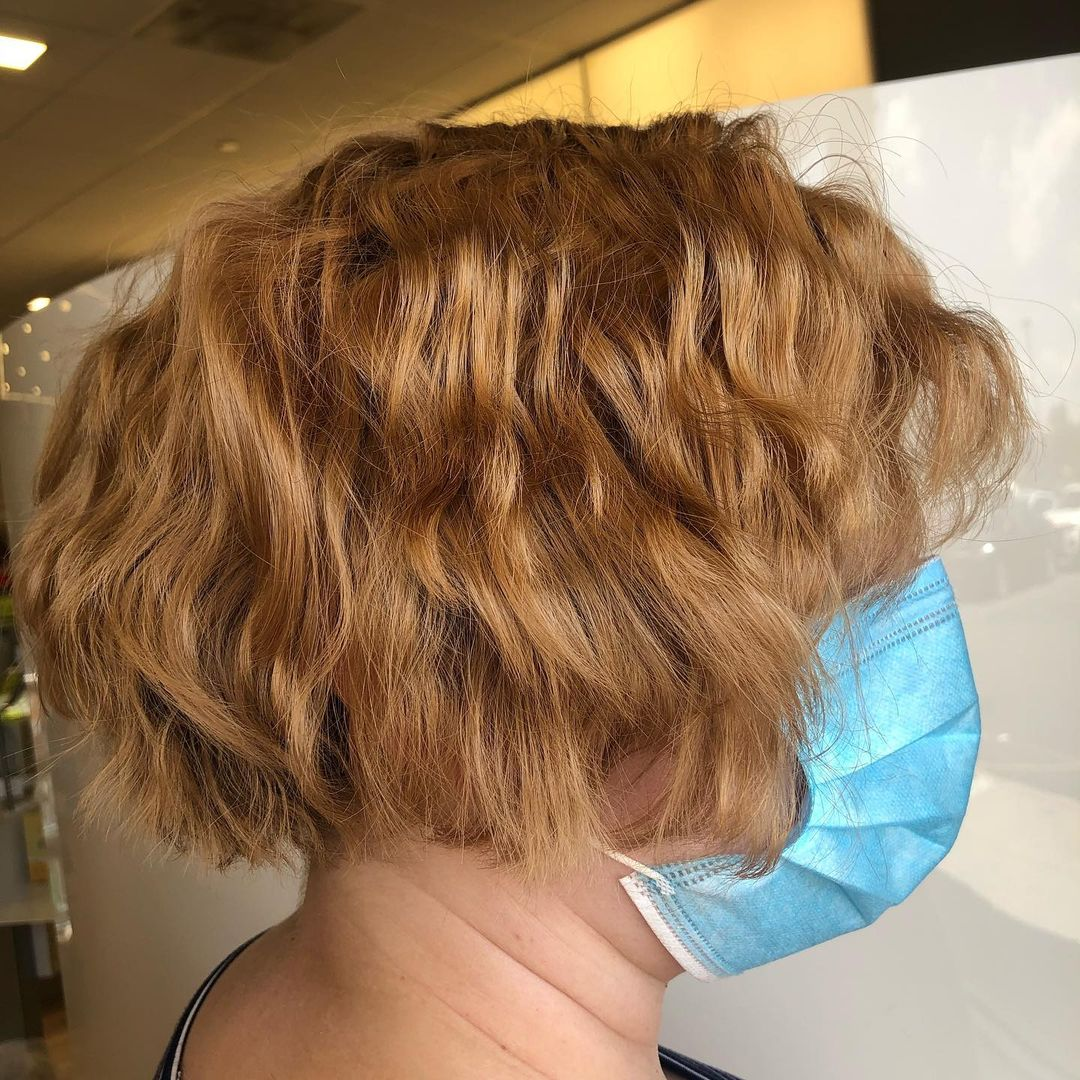 short hairstyles for women over 50 new 24