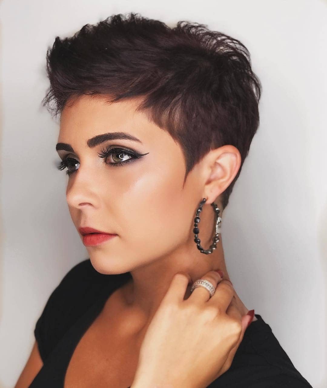 one sided shaved hairstyles 12