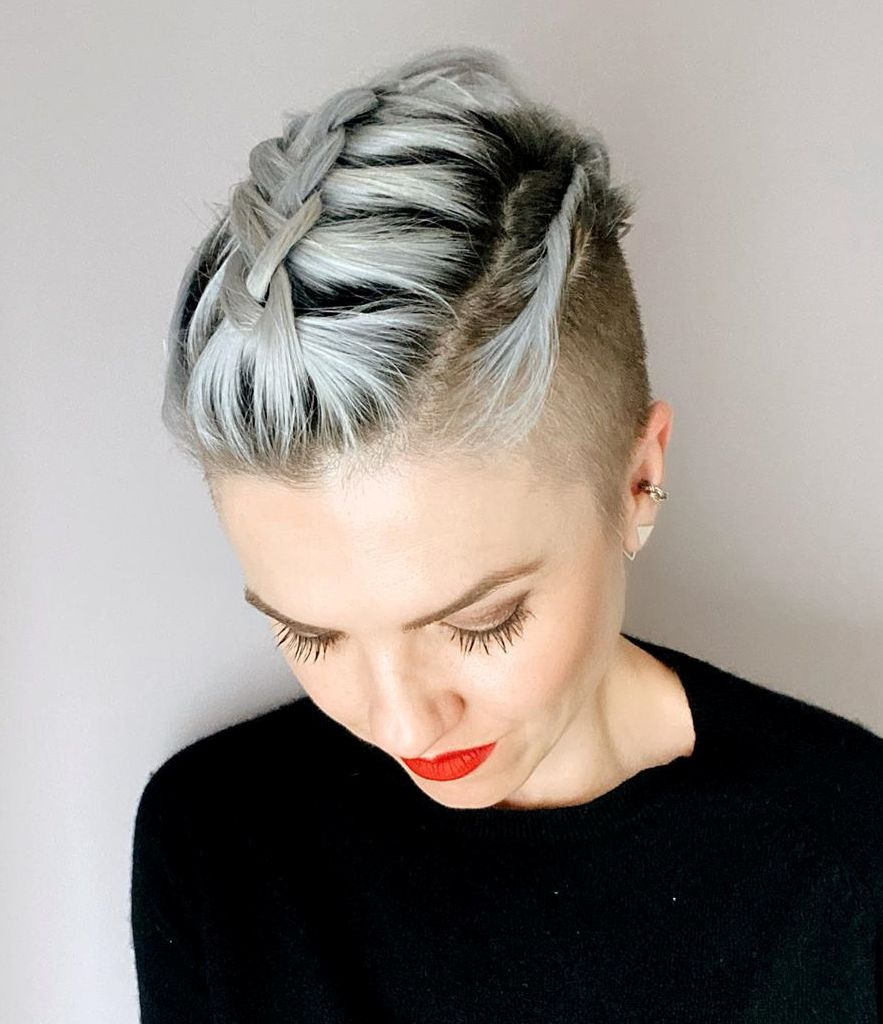 one sided shaved hairstyles 23