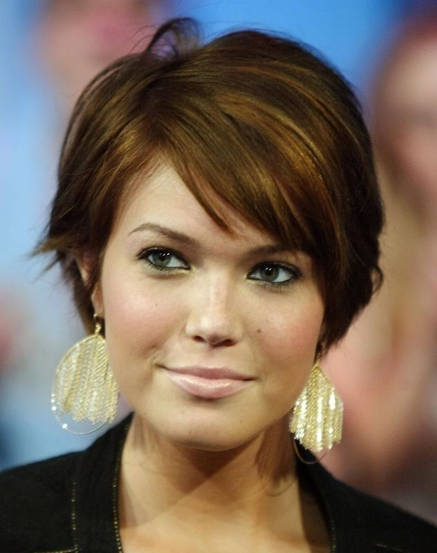 short hairstyles for plus size women 10